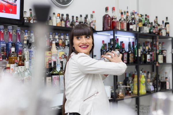 Una giornata da barman