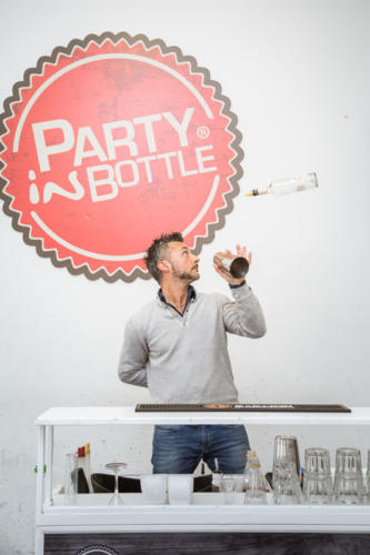 Party in bottle tiene corsi per bartender flair a Roma